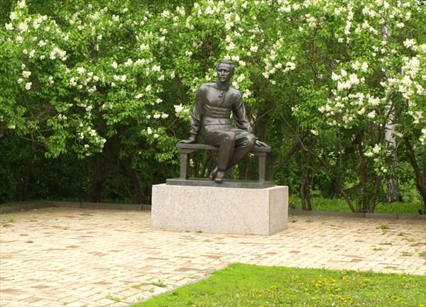 Памятник М.Ю. Лермонтову,…