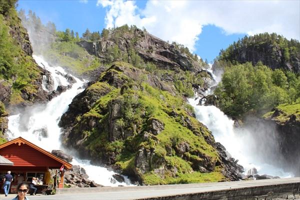 Водопад Latefossen