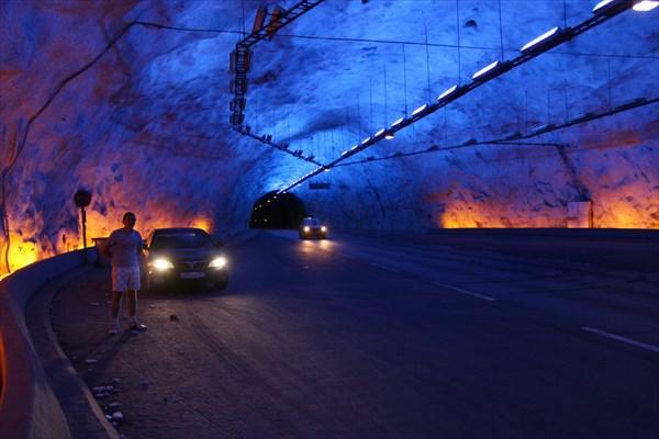 Лердальский тоннель, 24 км