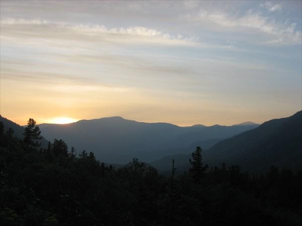 Рассвет в долине Орзагая