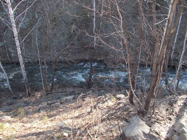 Река по весеннему полноводна
