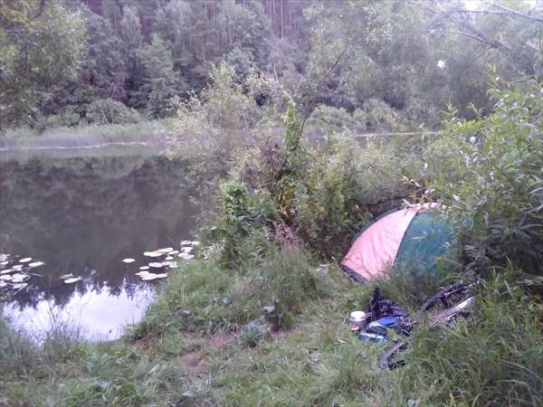 Лагерь на берегу Нерли