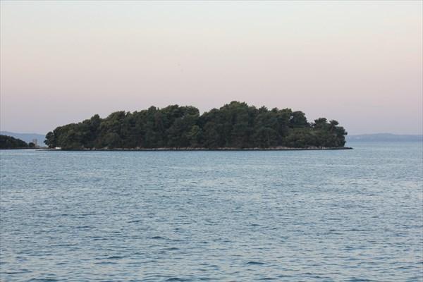 023-Остров