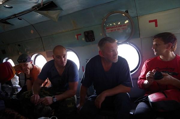 Командир (в центре) и Пермяки
