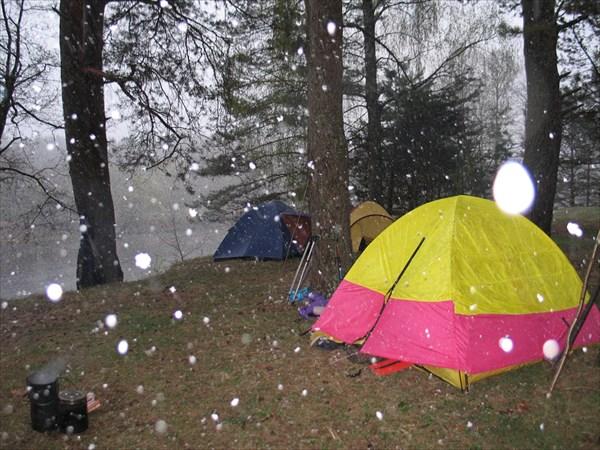 30 апреля 2007 года. А снег идет....