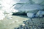 Река Маашей, вытекающая из одноименного ледника