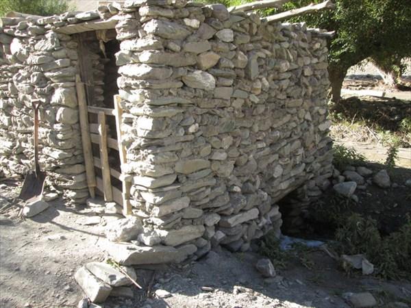 Обычная водяная мельница