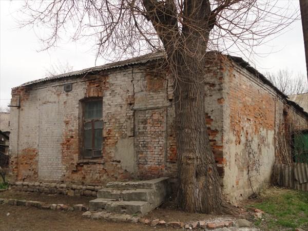 Еще одно сохранившееся здание времен Российской империи