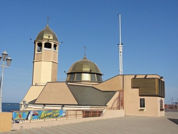 Портовая Свято-Николаевская церковь