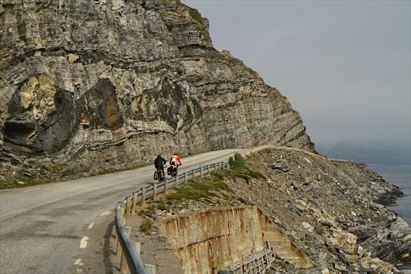 Дорога вдоль фьордов