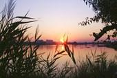 Первый рассвет на Сакском озере