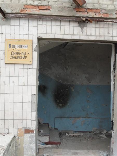У некоторых дверей сохранились больничные таблички