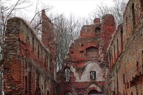 Сохранившаяся часть замка Бальга