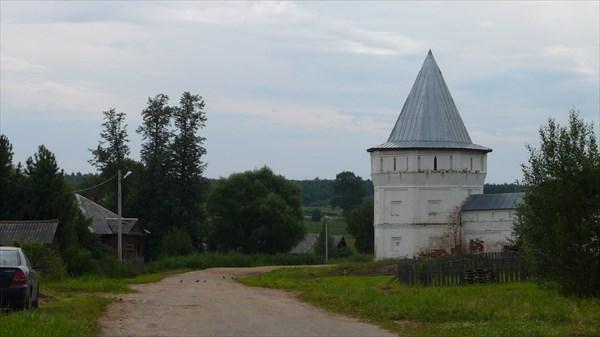 Башня стены Улеймского монастыря