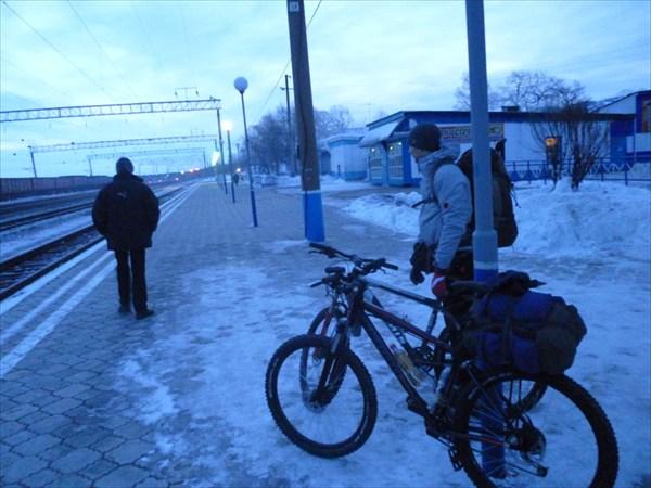 На станции Танхой. 2013-03-16-06:53:49