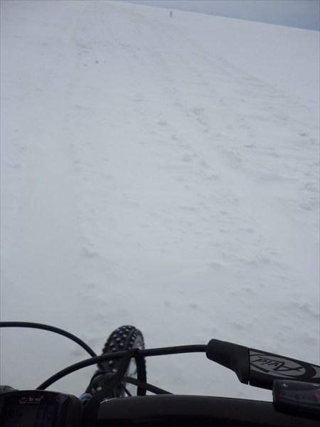 По снегу. 2013-03-16-09:32:42