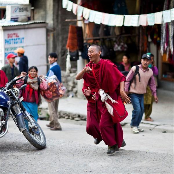 Два буддийских монаха