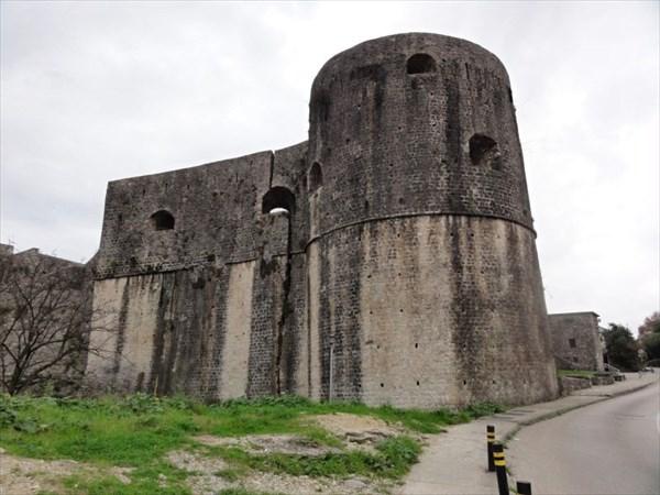 Крепость Старого города в Херцег-Нови