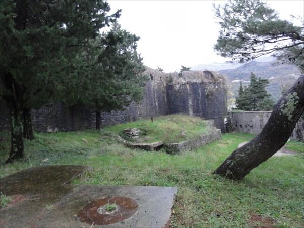 Внутри крепости.