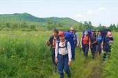 Группа идет вдоль реки Кульдур