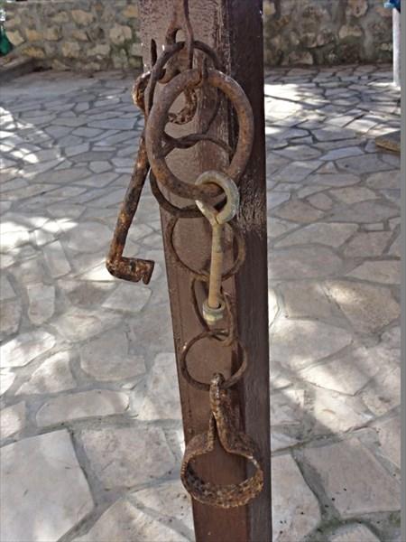 Атрибуты былого рабства