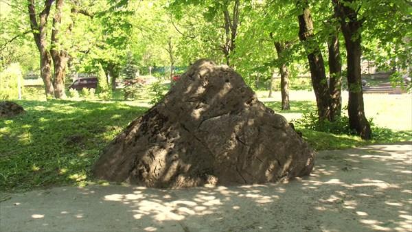 Сокральный камень в центре Железноводска