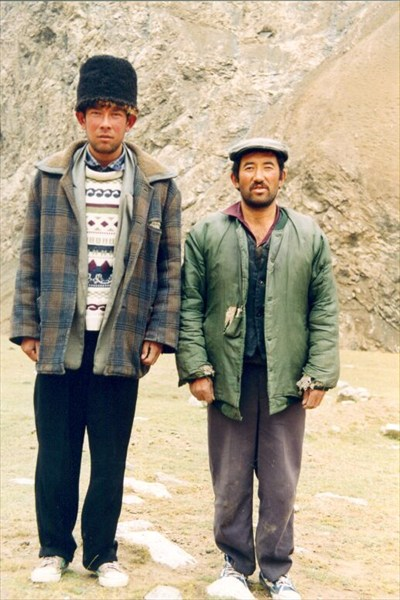 Наши проводники – Борат (слева) и Саидэ-Курбан (справа). [А.Чхетиани]