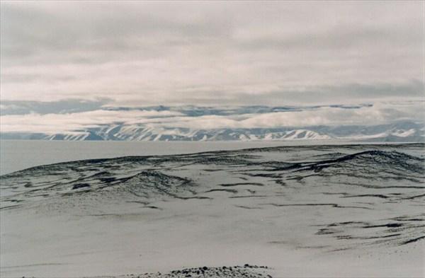 В 30 км к югу конус, извергавшийся в 1951 [А.Чхетиани]
