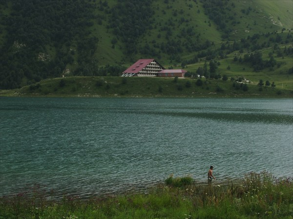 Высокогорное озеро Казеной-Ам