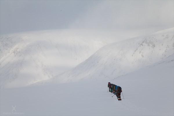 Подход к перевалу Балбан. Фото Андрея Подкорытова.