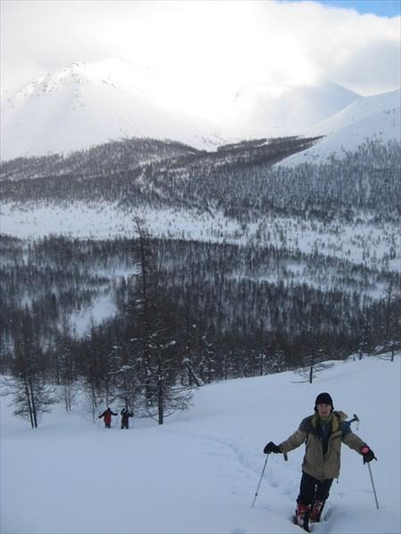 Тропёжка на перевал Ревда. Фото Никиты Насыпайко.