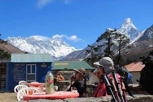 Завтрак с видом не на Эльбрус :)