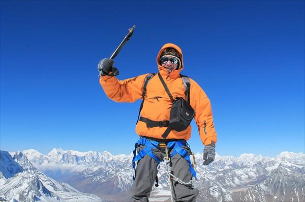 Айленд Пик (6189м) внизу Гималаи!