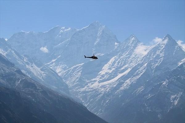 Посмотреть на Эверест в некоторых случаях не трудно)))