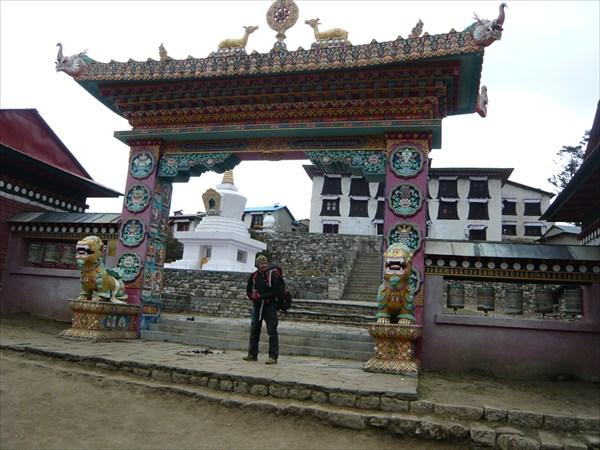 Монастырь в Тенгбоче