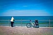 Бабушка, Балтика и велосипедик.