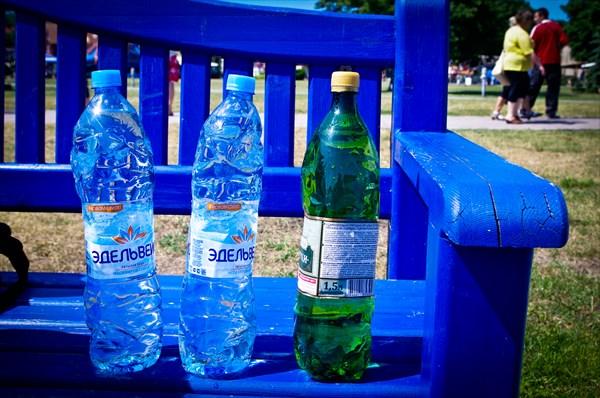 Эти бутылки проехали со мной весь путь.