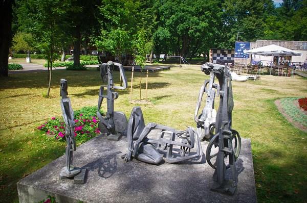 В палангском парке скульптур.