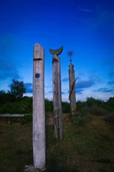 Копия палеообсерватории, посвященная Бируте.