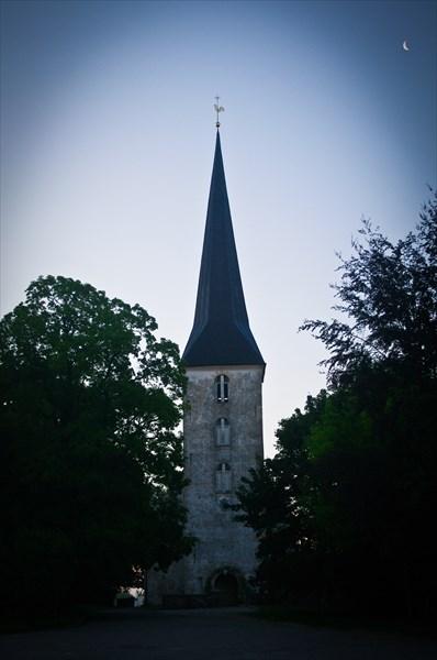 Яунпилсская лютеранская церковь, построенная в 1592 г.