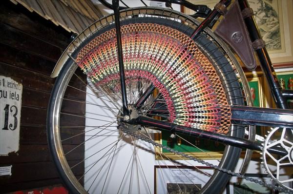 Понравилось такое оформление заднего колеса :)
