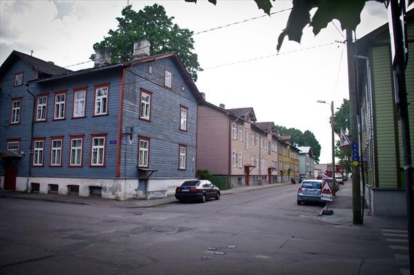 Таллин. Некогда рабацкий портовый район Каламайя. Ул. Вабрику.