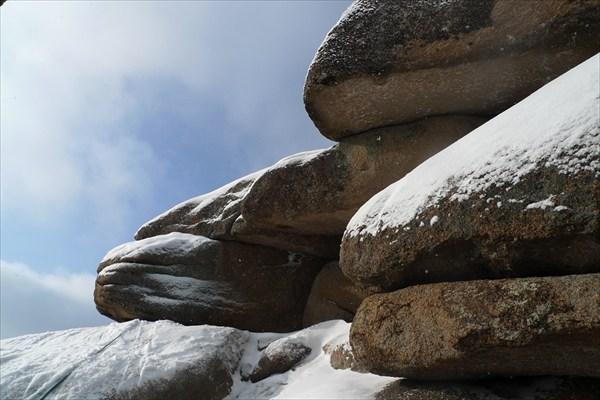 Каменные губы