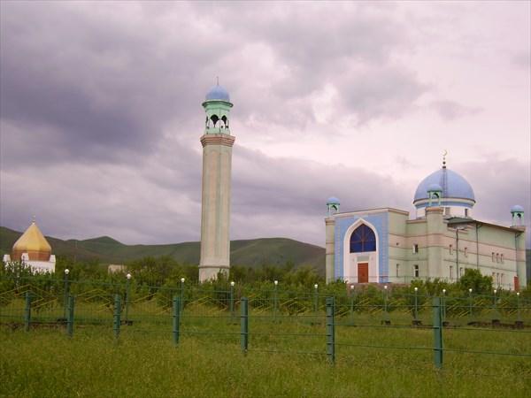 Первомайская мечеть