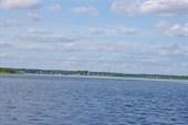Деревня `Вершинено` вид с озера