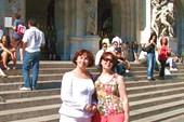 У входа в Гранд Опера