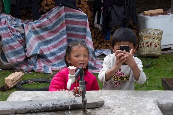 Дети с айфоном. В долине где нет связи.