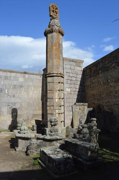 Столб в Татеве