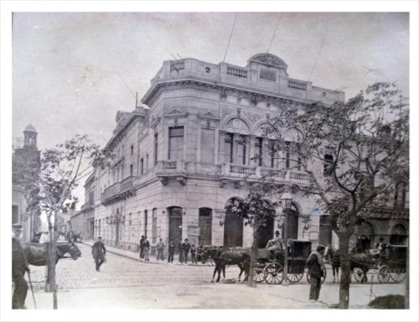 Teatro_Rivadavia,_hoy_Liceo_(Witcomb)