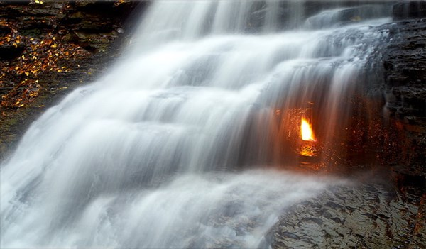 Eternal_flame_fall